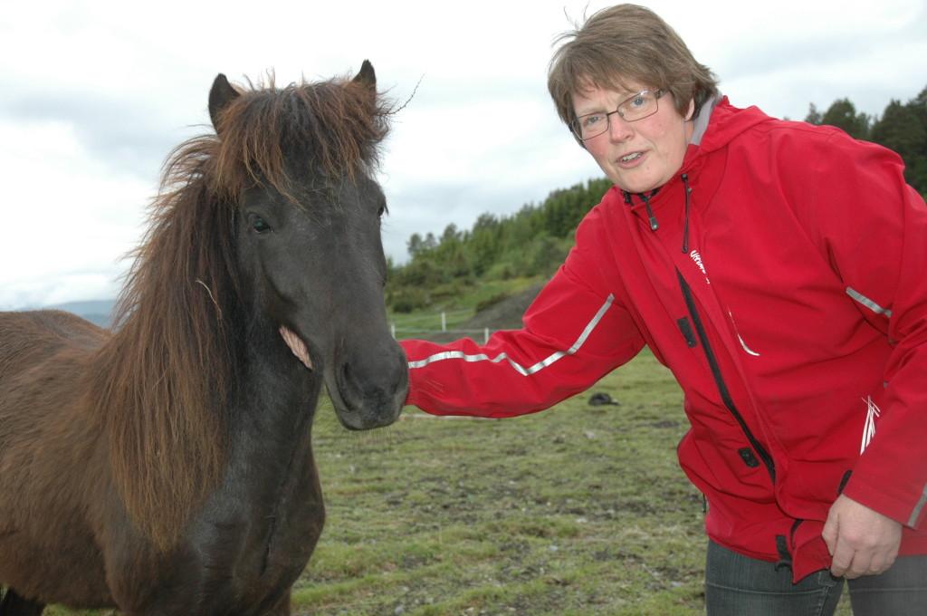 Astrid - hest foto Jon Schärer